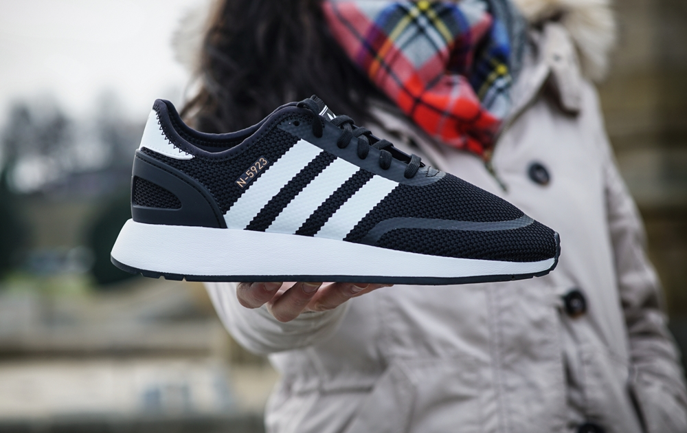 adidas originals Iniki Trainer