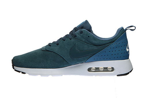 Nike Air Max Tavas Leather  (802611-403)