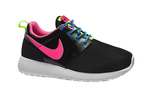 Nike Roshe One (GS)  (599729-011)